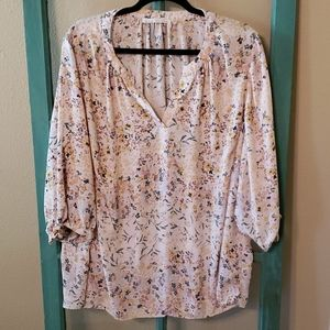 Violet and Clair 3XL flowy fun floral womens top